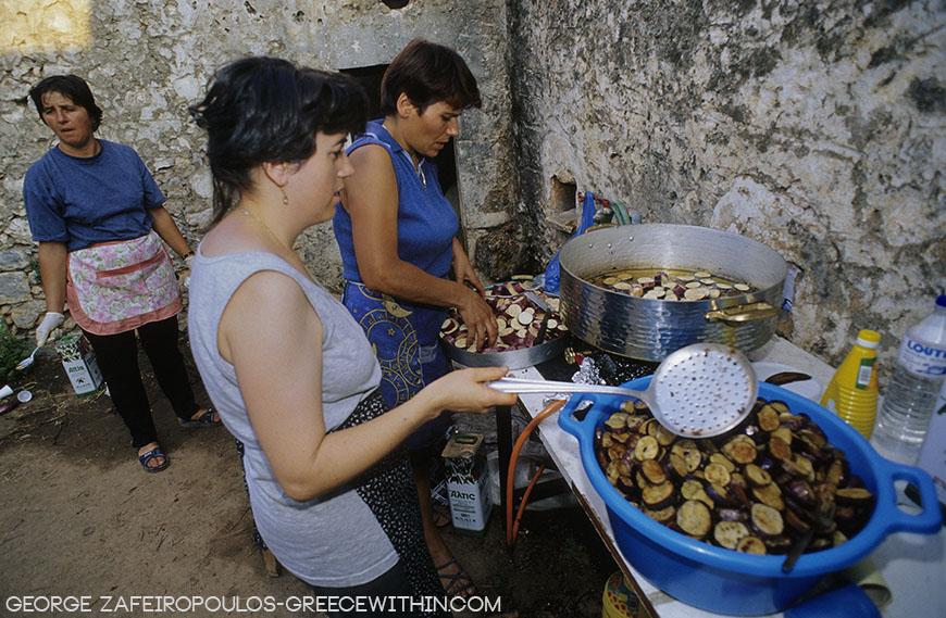 Cooks specialise in cooking aubergines in Tsakonia.