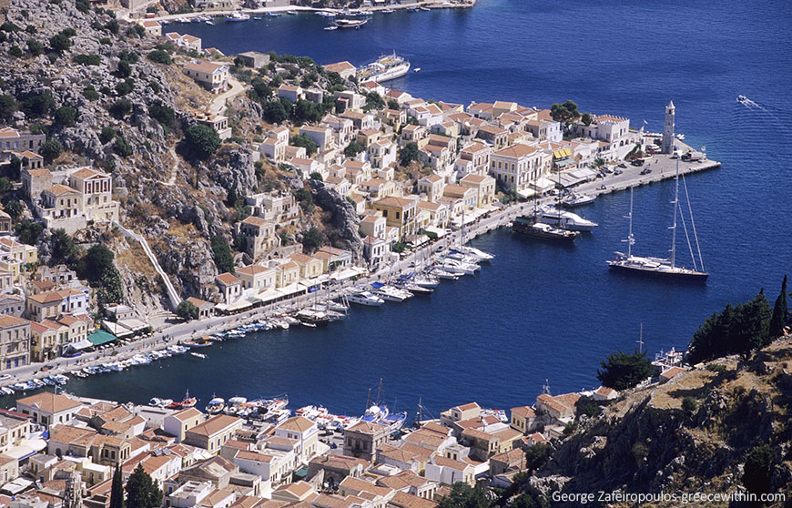 Symi is the most beautiful port of the Mediterranean, with a great tradition in the construction of fishing and mailing boats.