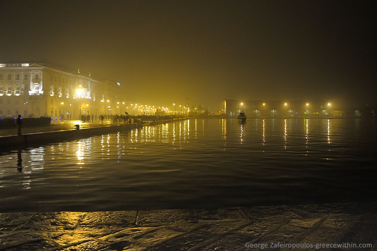 The weather is humid and foggy in Trieste. The landscape on winter nights is atmospheric, for some maybe a little depressing.