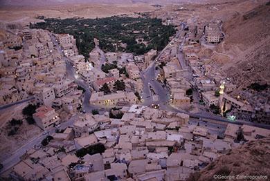 Το χριστιανικό χωριό Μααλούλα, στο οποίο μιλούν την αραμαϊκή γλώσσα, που μιλούσε ο Χριστός και οι μαθητές του.