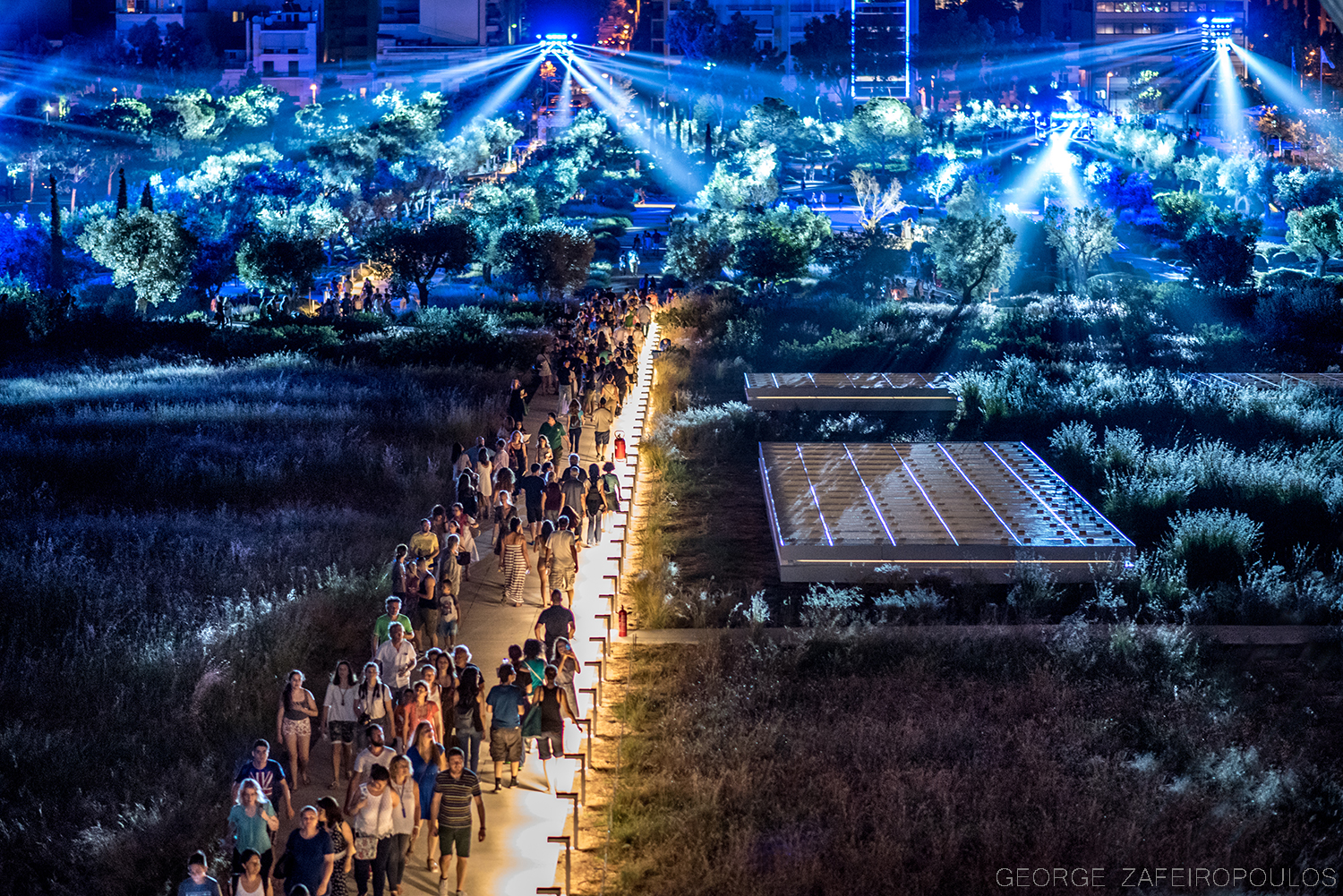Thousands of people visited the brand new Stavros Niarhos Cultural Center and were literally enchanted.